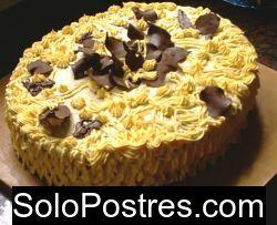 Torta de cumplea�os dorada