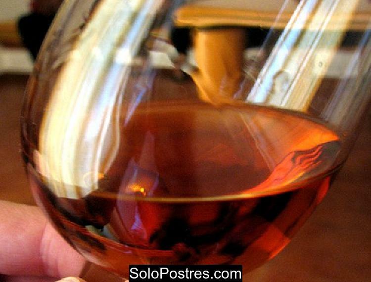 Duraznos (melocot�n) un c�ctel de primera con vino rosado