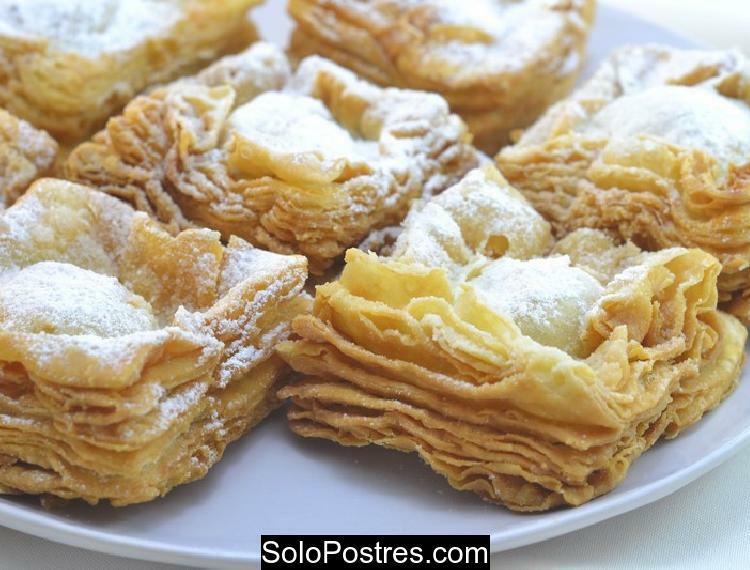 Pastelitos criollos típicos de dulce de membrillo