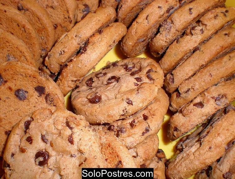 Galletas dulces de chocolate en microondas