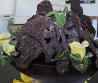 huevo calado de chocolate