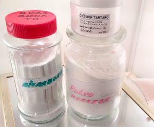 polvo de hornear y bicarbonato