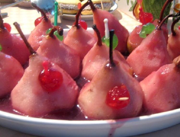 Peras rellenas con crema de amaretti