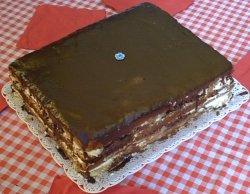 Torta de cumpleaños con merengue
