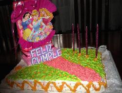 Torta de cumpleaños para una niña de 4 años