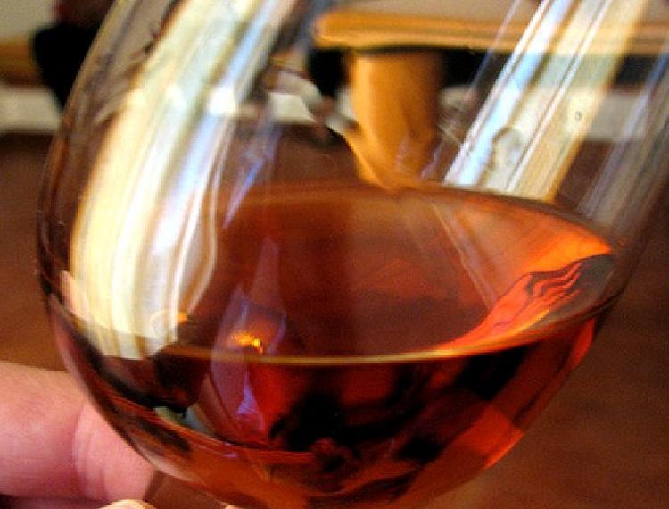Duraznos (melocotón) un cóctel de primera con vino rosado
