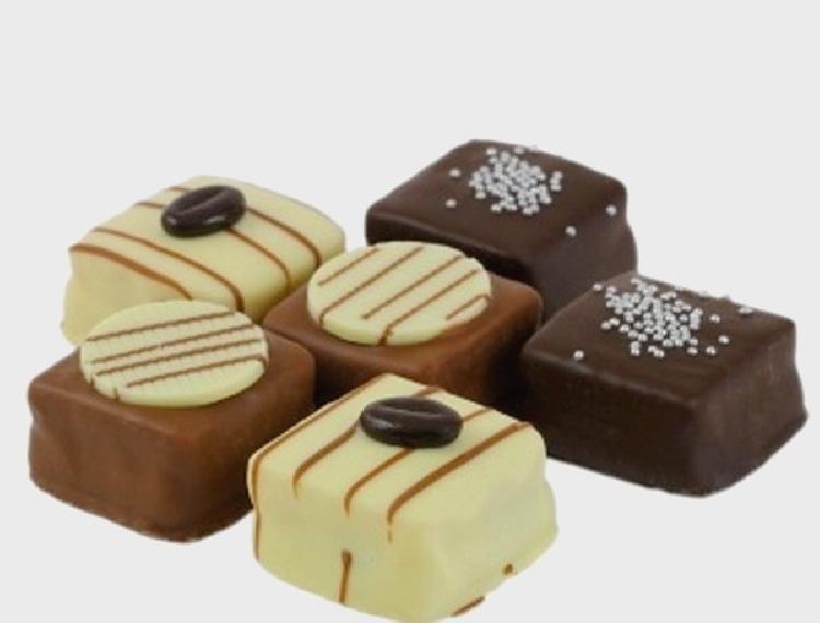 Petit fours de chocolate