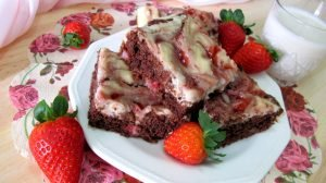 "<span class=""bsearch_highlight"">Brownie</span> cheesecake de fresa vegano"