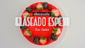 Cheesecake con Glaseado Espejo